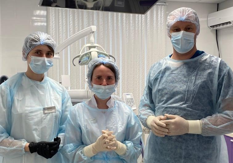 прием хирурга-имплантолога